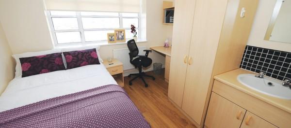 Liverpool St Andrews Gardens Bedroom